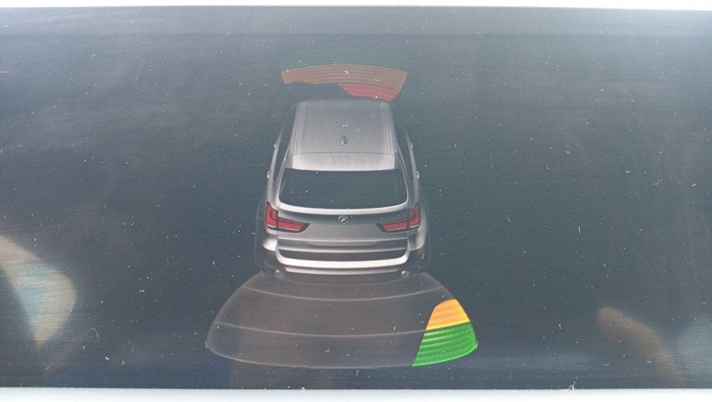 Так работает парктроник BMW