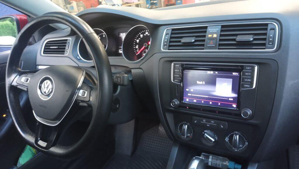 VW Jetta 6 mulrimedia adaptation