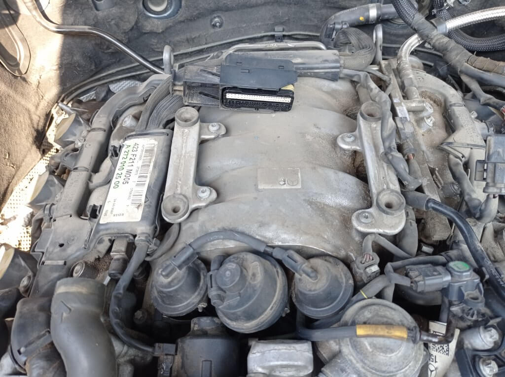 Впускной коллектор E350 272 мотор