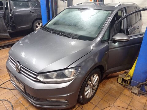 VW Touran 2016 1.6 TDI