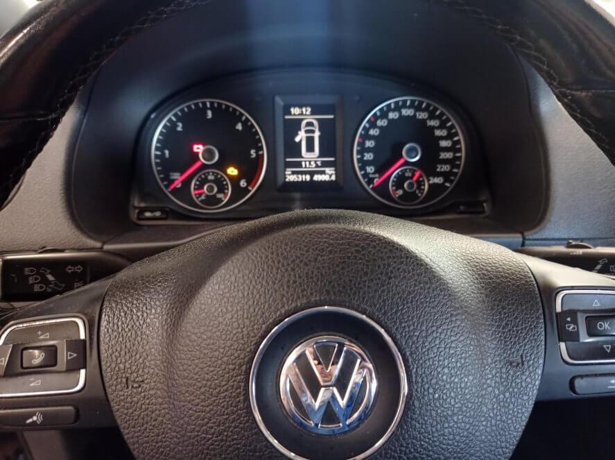 VW Caddy 1.6 TDI Загорается значок круиз